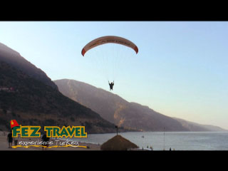 View our Kylie gets up at 6.30am in order to try the exhilarating sport of paragliding as well as taking in the spectacular views of the Turkish coastline! [0:58]