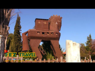 View our Kylie gets the imagination cranking whilst roaming around ancient Troy. [0:20]